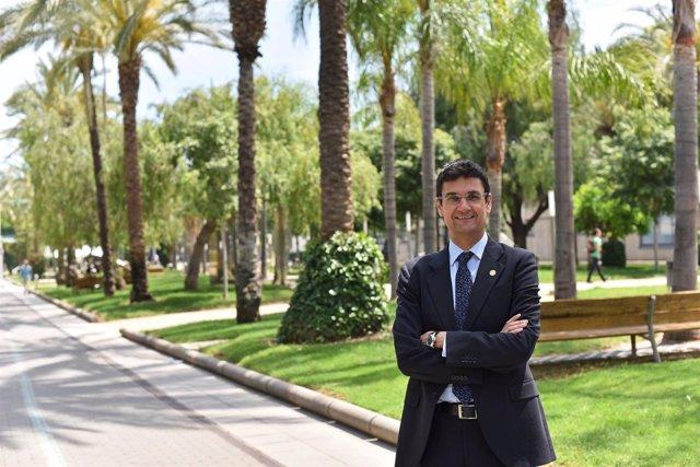 El rector de la UPV, Francisco Mora