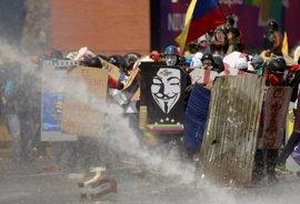 Manifestantes y policías vuelven a enfrentarse en una nueva jornada de protestas en Venezuela