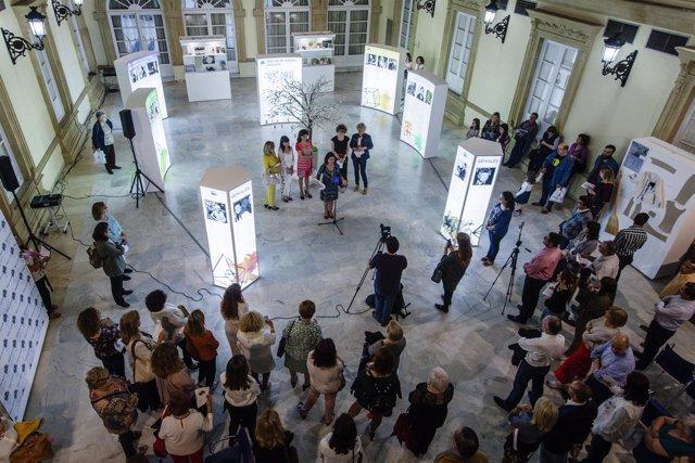 Exposición de las 'Huellas de Mujeres Geniales'