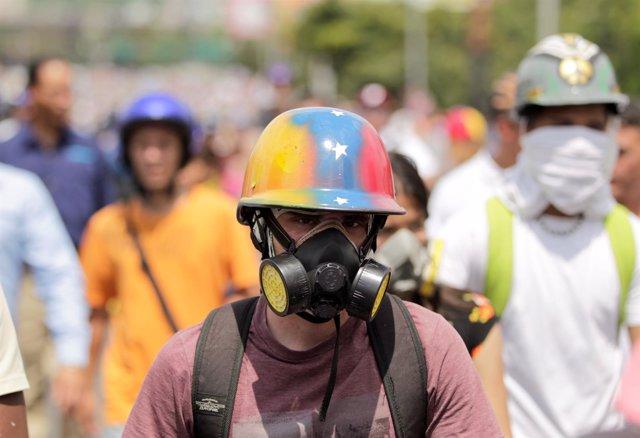 Manifestante en Caracas