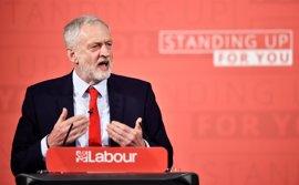 Corbyn quiere nacionalizar la industria e introducir un límite salarial a las empresas si gana el 8 de junio