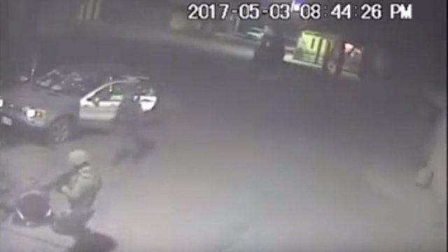 Vídeo en el que un soldado dispara a un civil desarmado