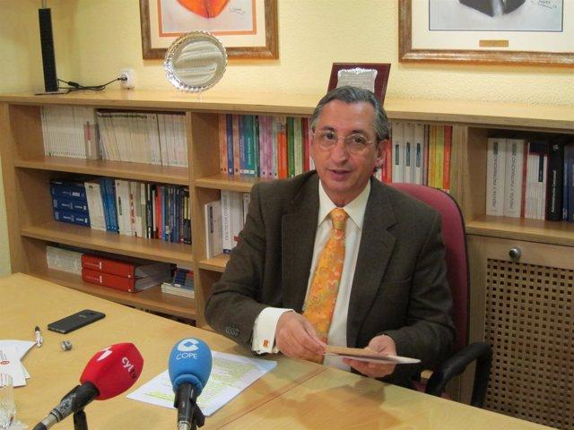 El presidente y decano de Ecova, Juan Carlos de Margarida