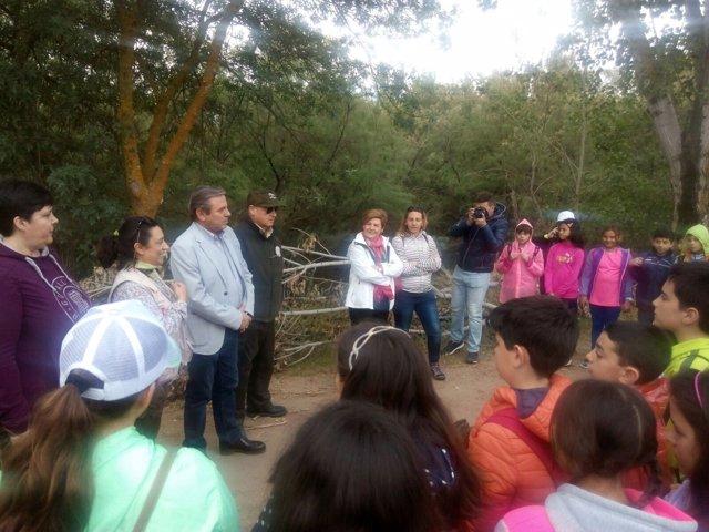 Jornada con escolares por el Día Mundial de las Aves Migratorias.