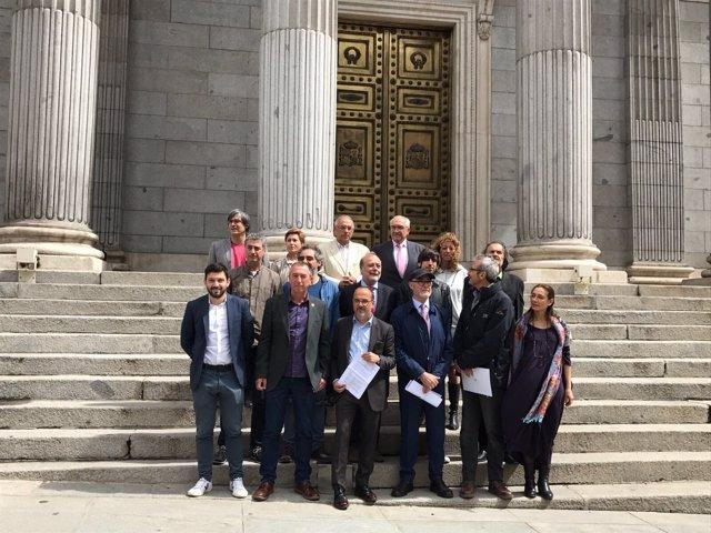 Partidos a favor de bajar el IVA al cine a la entrada del congreso