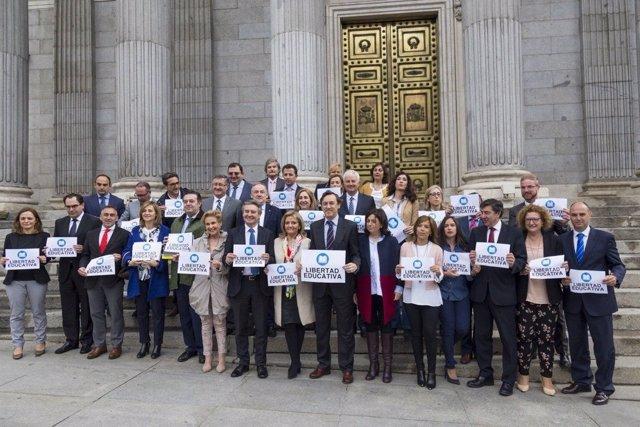 """Diputados del PP en el Congreso """"por la libertad educativa en Valencia"""""""