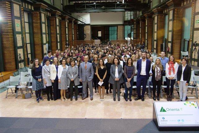Participantes del programa Orienta-T en Endesa en Barcelona