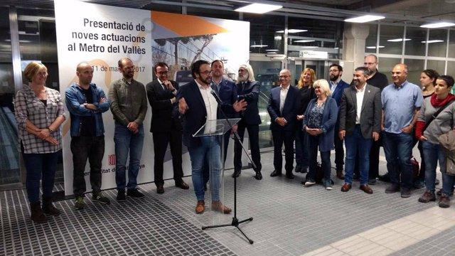 El alcalde de Sabadell, Juli Fernàndez, en el FGC