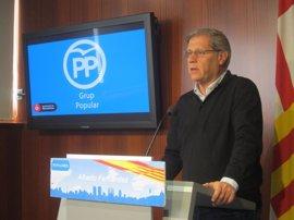 Alberto Fernández (PP) dice que el 93% de barceloneses apoya un Ayuntamiento bilingüe