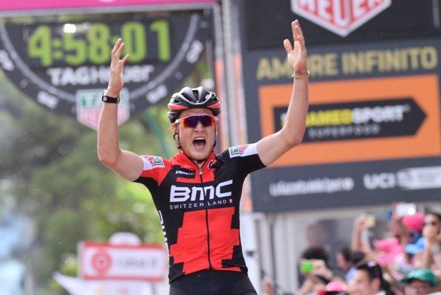 Silvan Dillier gana en el Giro