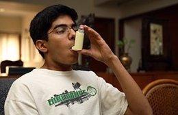 Joven con asma