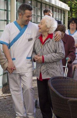 Mayores. Ancianos. Enfermeros. Residencia.