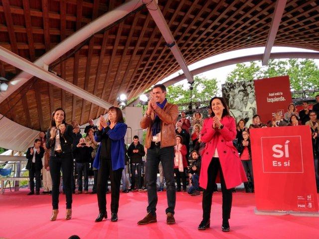 Pedro Sánchez en un acto en Madrid con Cristina Narbona y Margarita Robles