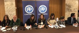 """Buruaga denuncia el """"bloqueo"""" que sufre del grupo parlamentario popular, que le niega ser portavoz"""