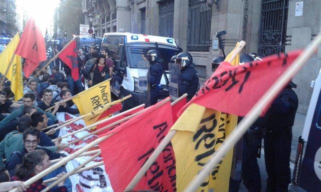 Manifestación de estudiantes en Barcelona por las tasas universitarias