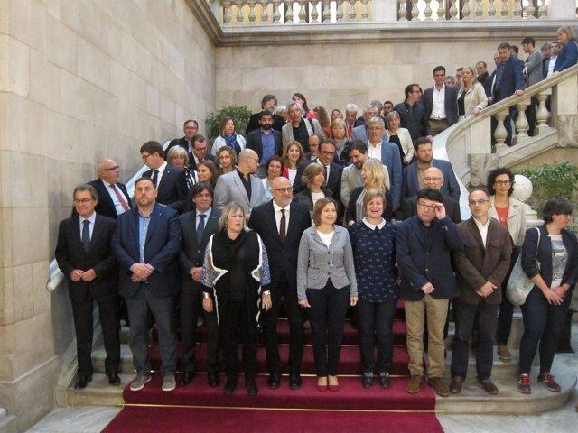 El presidente y varios consellers arropan a L.Corominas y R.Barrufet