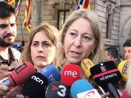 """El Govern reitera su apuesta por el referéndum pese al """"asedio judicial feroz"""" contra el Parlament"""