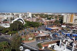 Detenido un turista por causar numerosos destrozos en unos apartamentos de Playa del Inglés (Gran Canaria)