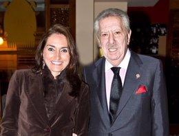 Jesús Barrachina junto a Alicia Anchel Saz, Fallera Mayor de Convento en 2011