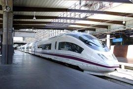 Cerca de 400 viajeros afectados por la avería de un AVE Sevilla-Málaga-Barcelona