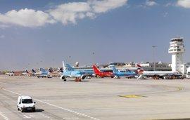 Aena aumenta un 16,7% en Canarias sus pasajeros en abril, con 3,8 millones, por el tirón de la Semana Santa