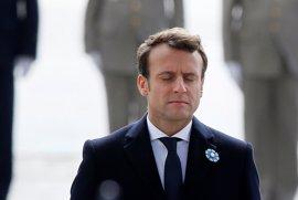 Macron viajará a Berlín el lunes para mantener con Merkel su primer encuentro como presidente francés