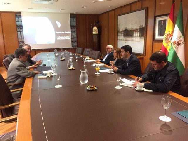 Visita del Grupo Parlamentario Socialista al Puerto de Huelva.