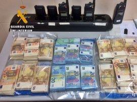 Intervenidos en Mérida más de 200.000 euros sin declarar a dos portugueses