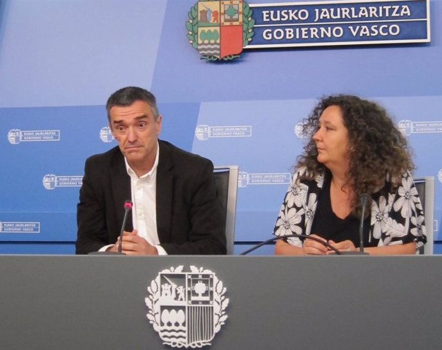 Jonan Fernández y Monika Hernando.