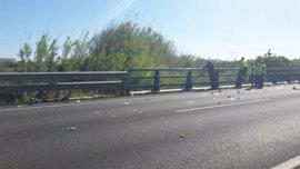Los dos ciclistas heridos arrollados en Oliva por una conductora ebria y drogada continúan en la UCI