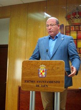 El alcalde de Jaén, Javier Márquez, en rueda de prensa.