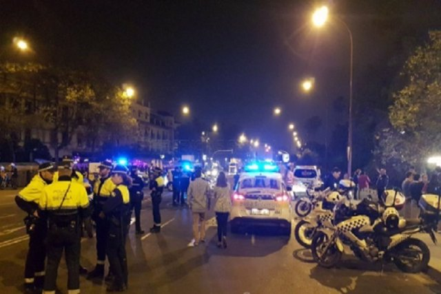 Detenidas ocho personas por los altercados de la Madrugá