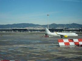 El Aeropuerto de Barcelona-El Prat registró un 13,6% más de pasajeros en abril