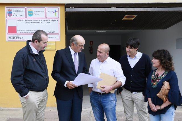 Mazón inaugura la rehabilitación de un edificio municipal en Cartes