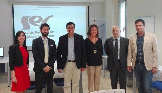 El director general del SEF, Alejandro Zamora en el centro de la imagen