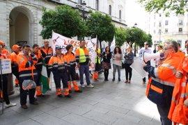 """Participa e IU reclaman """"soluciones"""" para los trabajadores eventuales de Lipasam entre 2013 y 2016"""