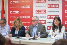 """CCOO denuncia que el """"colapso"""" en las oficinas del DNI hace que la cita previa en Andalucía se sitúe entre junio y julio"""