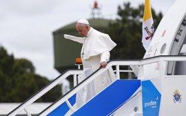 El Papa llega a Portugal para visitar Fátima
