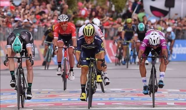 Caleb Ewan gana en el Giro