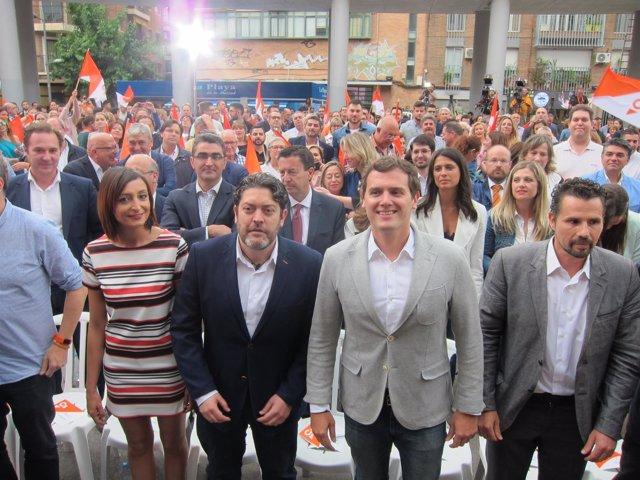 Albert Rivera y Miguel Sánchez, durante el encuentro ciudadano