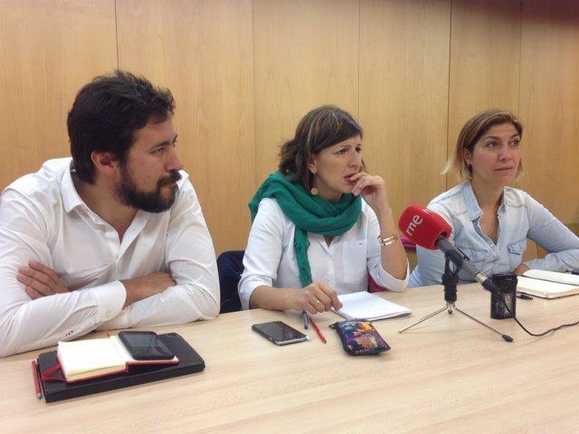 Yolanda Díaz y Antón Gómez-Reino en rueda de prensa