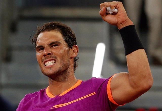Rafa Nadal celebra la victoria en cuartos del Mutua Madrid Open 2017
