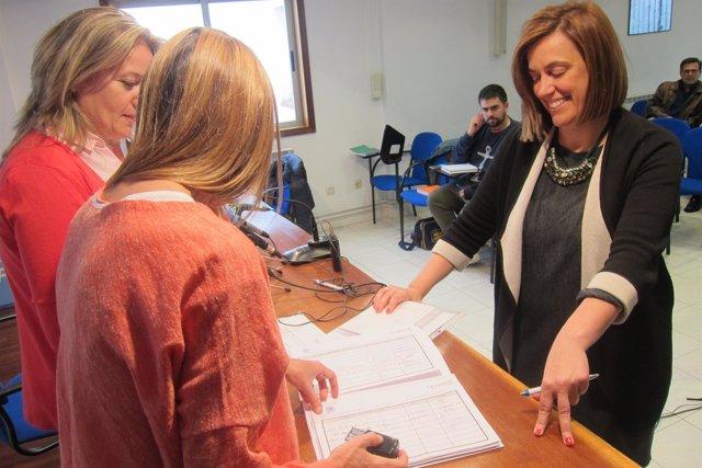 Armisén entrega los avales para aspirar a presidenta del PP de Palencia