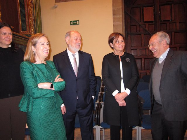 Ana Pastor, Gabino De Lorenxzo, Carmen Moriyon