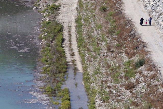 Una reserva de Myrtoy (Chipre) que recibe agua potable desde Turquía.