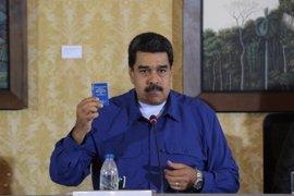 """Maduro insta al Rey a investigar la """"agresión"""" al embajador y acusa a Rajoy de """"permitirla"""""""