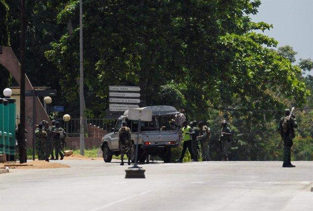 Militares amotinados en Abiyán