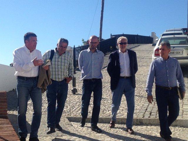 Visita de diputados a obras de PFEA en Frigilia y Torrox