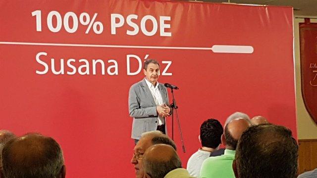 El expresdiente en un acto con militantes de apoyo a Díaz