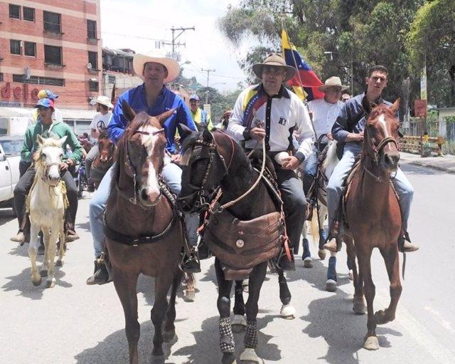 Manifestación a caballo en Venezuela